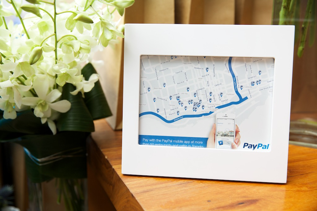 how to pay someone with paypal app