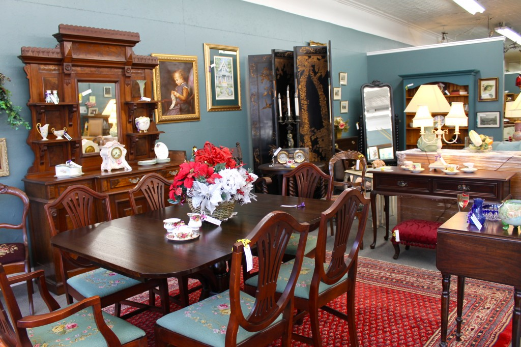 Nice ... Kempu0027s Store On Ottawa St. The 26oo Square Foot Space Is Filled With  Beautiful Canadian And American Antique Furniture, Collectables And  Jewellery.