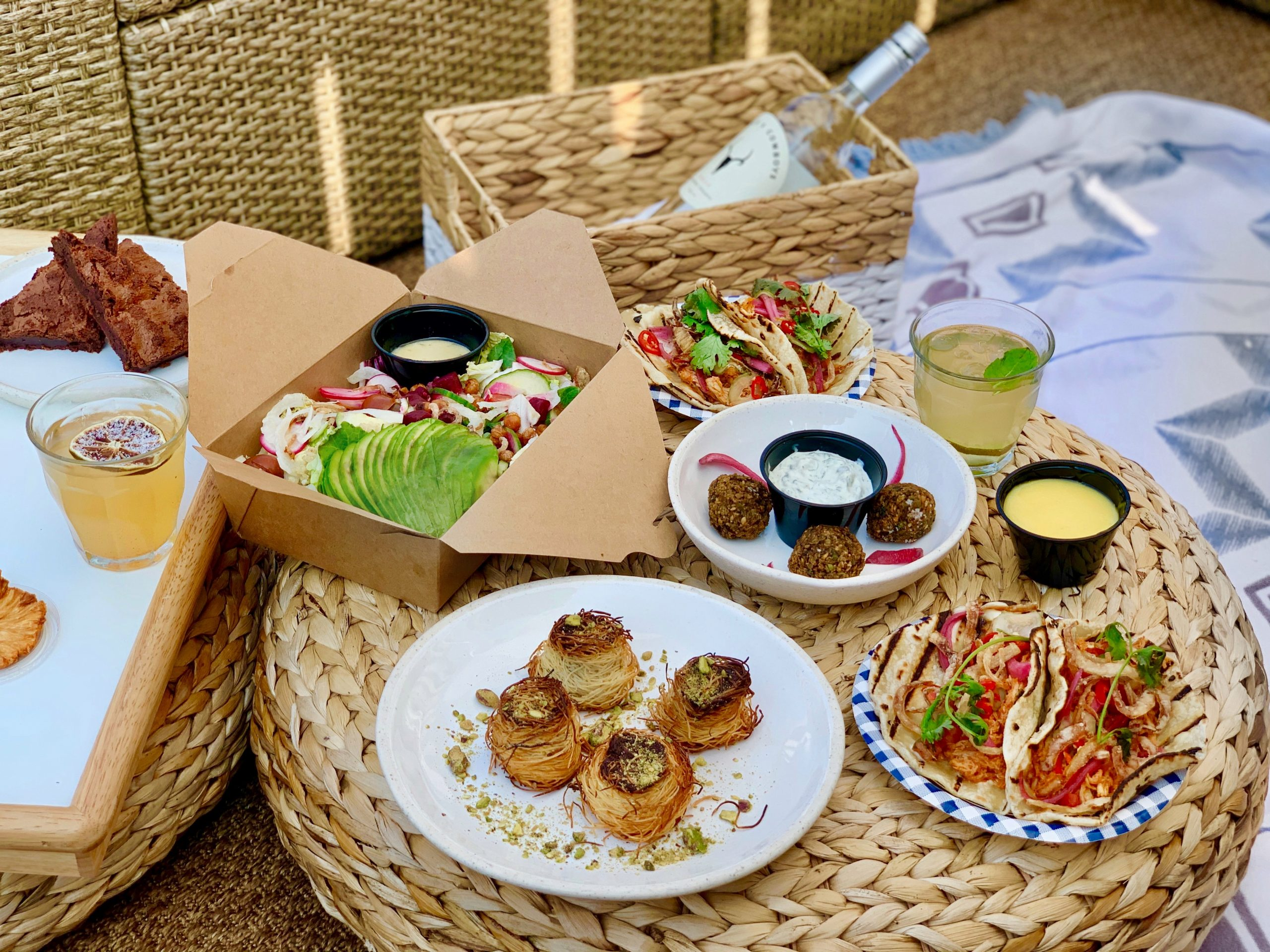 Elevate Your Summer Of The Picnic With These Picnic Baskets In Toronto
